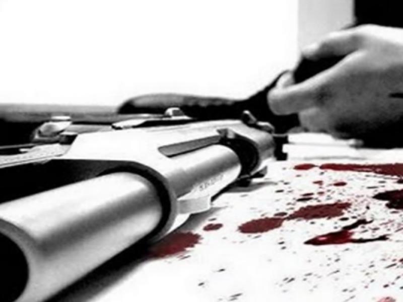 Si uccide docente di liceo accusato di sevizie e abusi sessuali su studentesse sedicenni.