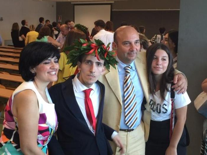 Anthony, affetto da mutismo e da encefalopatia, si laurea dottore magistrale.