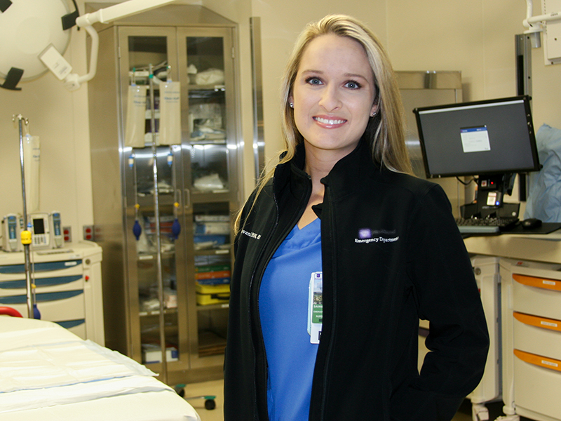 """Patricia Lowster, ER Nurse: """"come Infermiera guadagno 6000 dollari al mese e sono assicurata""""."""