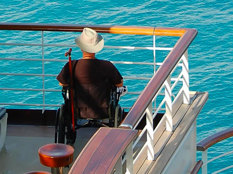 OSS su Navi per assistenza di base a disabili: azienda seleziona personale, stipendi fino a 3000 euro.
