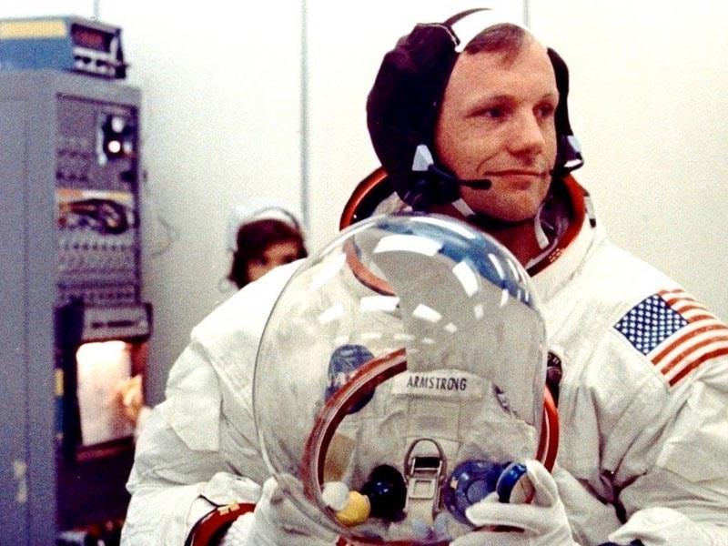 """Il primo uomo sulla Luna fu """"ucciso"""" da Infermiere? Ridicolo!"""