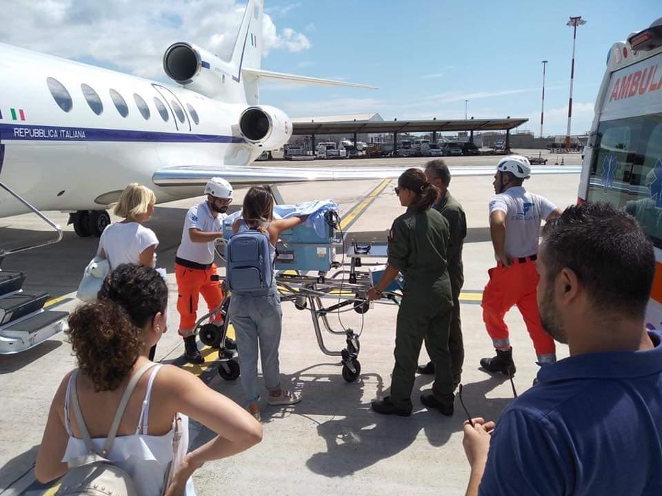 Neonato in pericolo di vita trasportato da Cagliari a Roma. Si salverà?