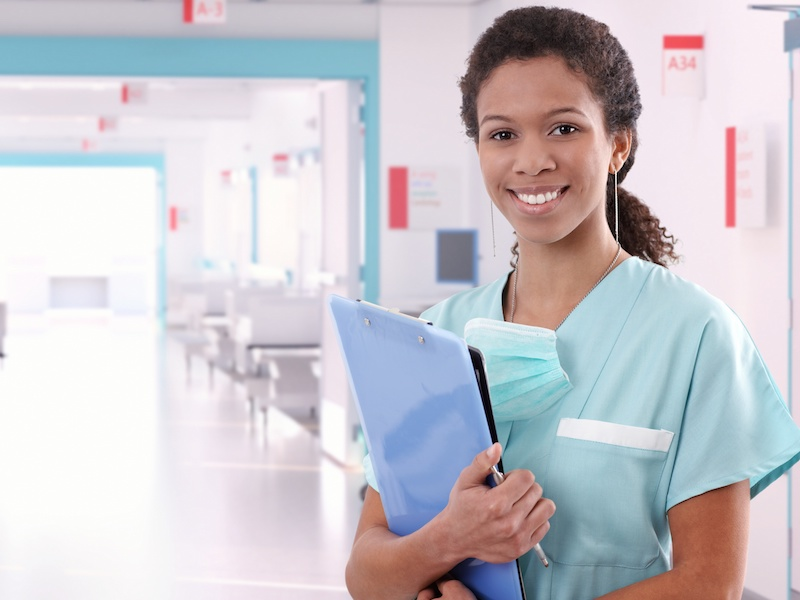 Una OSS: i Pazienti mi discriminano perché sono straniera.