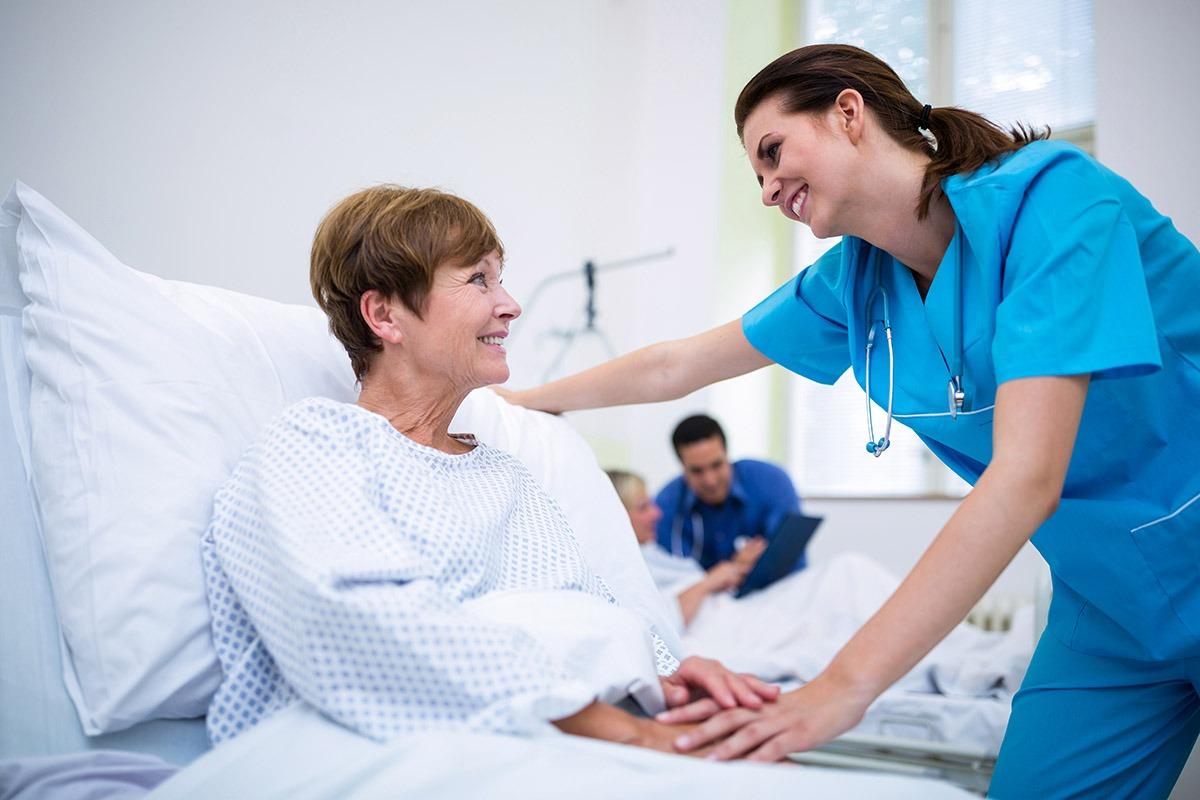 Infermieri e OSS: gestire la qualità dell'assistenza puntando sull'integrazione inter-professionale.