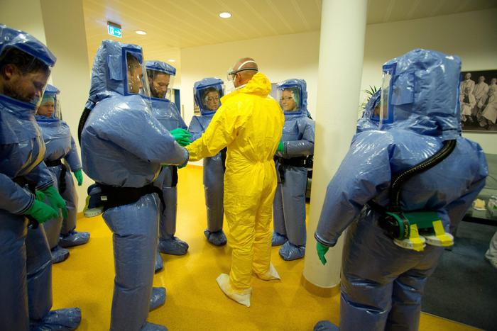ebola, isolamento, via aerea
