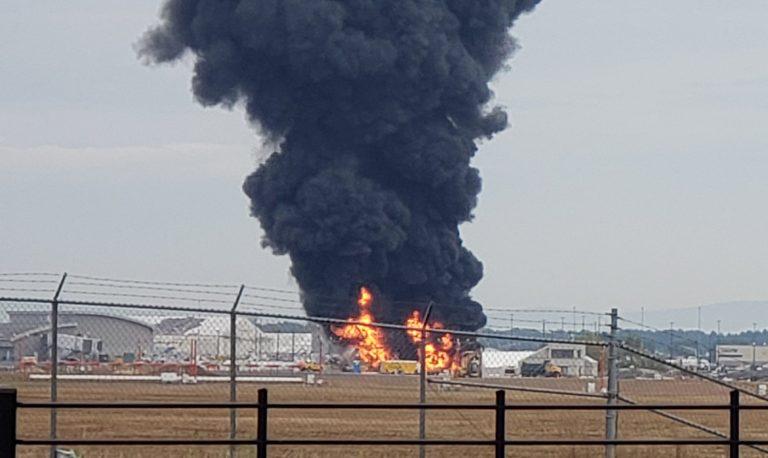 Si schianta aereo, 14 superstiti. Diversi i morti.