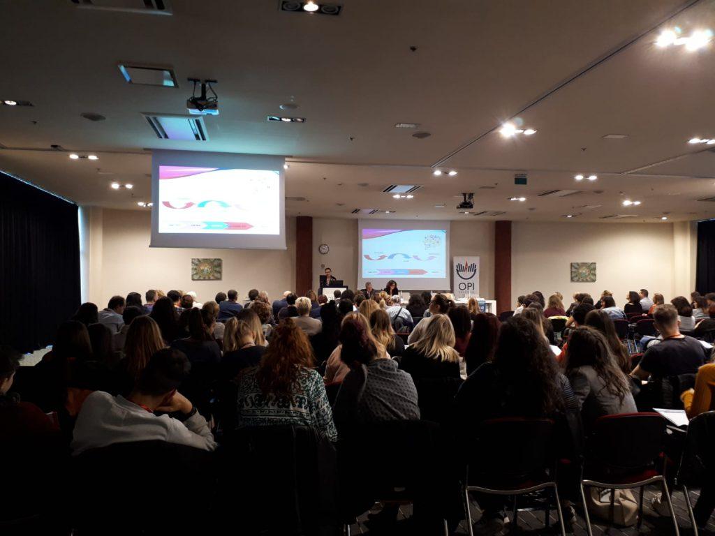 La platea presente all'evento, in gran parte formata da studenti in Infermieristica.