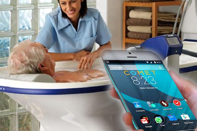 OSS licenziata per giusta causa: scattava foto ai pazienti durante l'igiene.