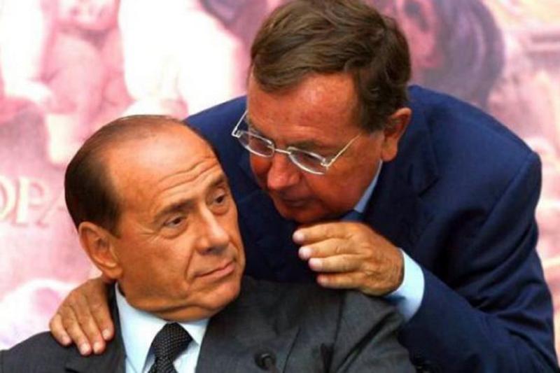 Addio a Paolo Bonaiuti, portavoce storico di Silvio Berlusconi.