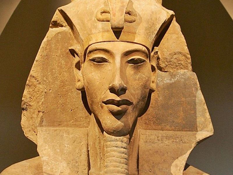 Diagnosi storiche: Akhenaton e la sindrome di Froelich!