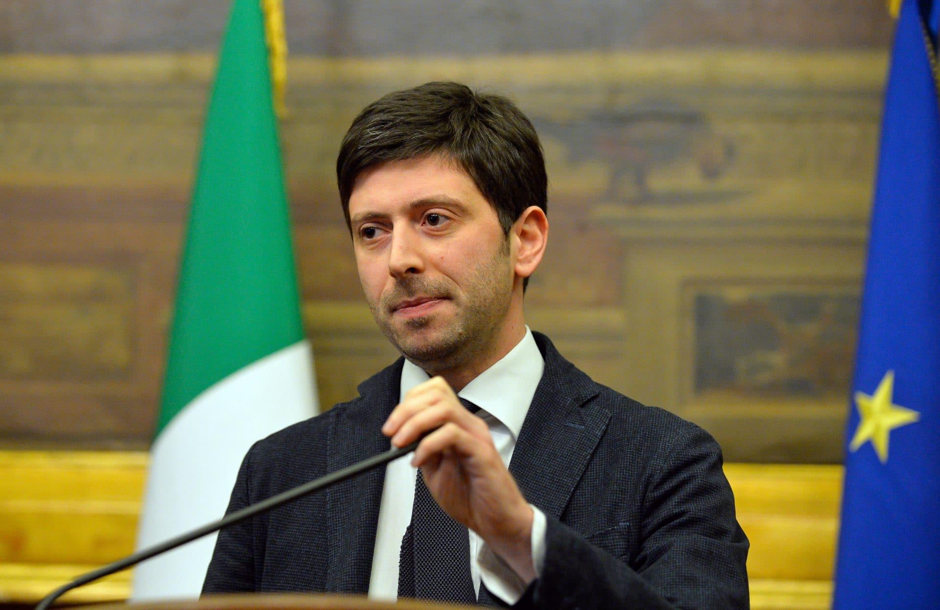 Roberto Speranza difende il diritto al futuro per la Professione Infermieristica.