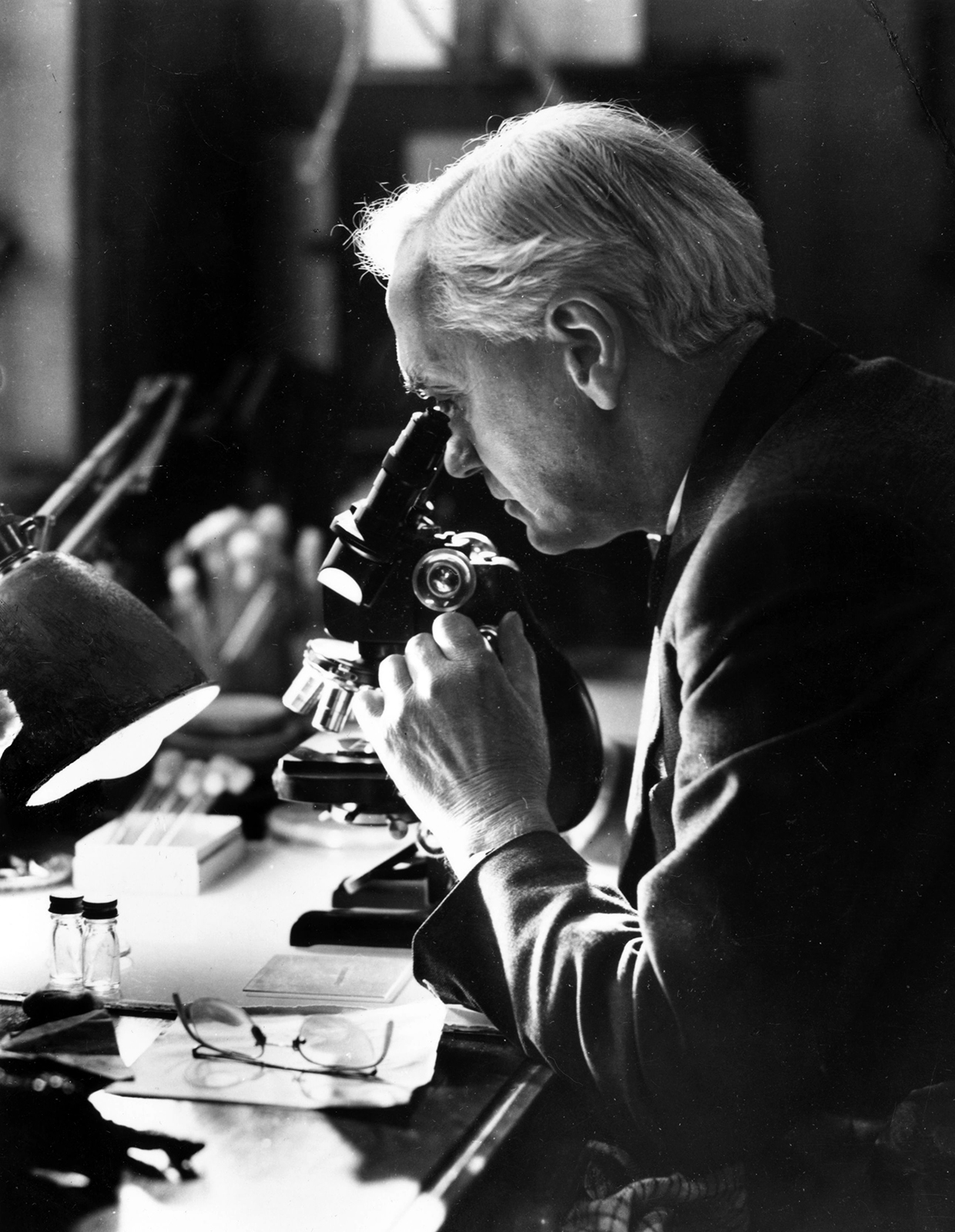 Scoperto il primo antibiotico nel 1928 grazie a Fleming.