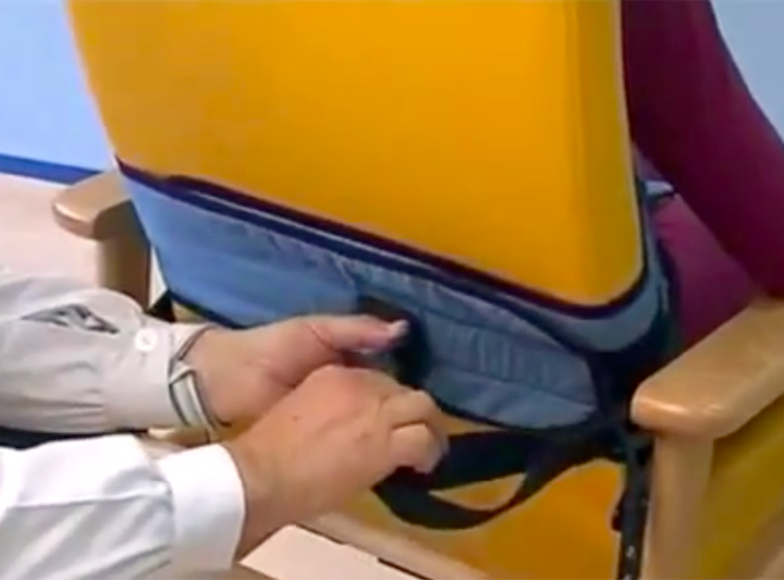 Infermiera e Fisioterapista sospesi: posizionarono contenzione a Paziente senza prescrizione medica.