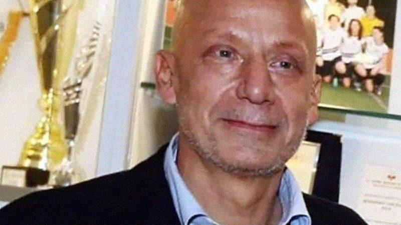 """Gianluca Vialli sta male: il tumore lo sta distruggendo, """"mi spiace per i miei cari""""."""