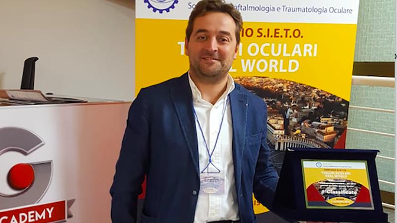 Giuseppe Schiena, tra gli oculisti premiati dalla SIETO per intervento oculare complesso.