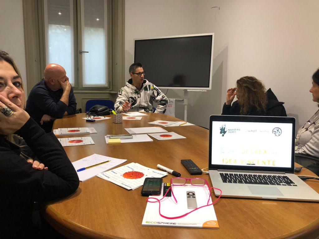 Una fase dell'incontro a Milano tra Futuro Semplice e AssoCare.it.