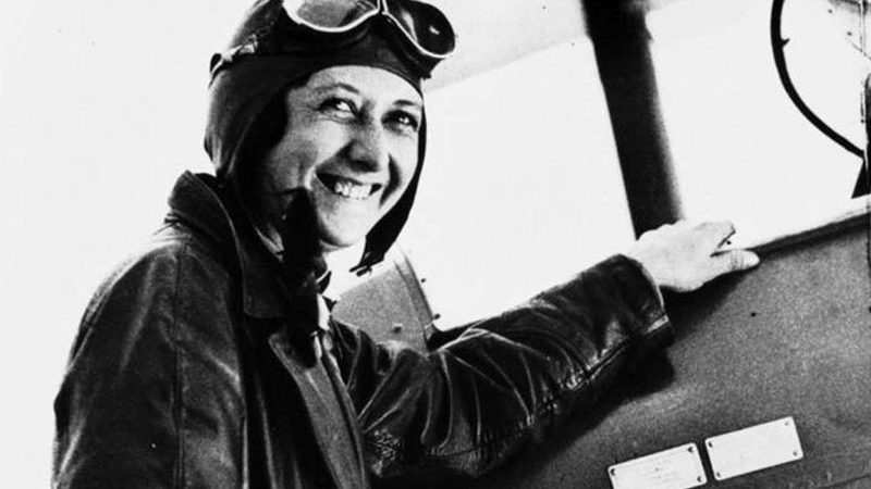 Matilde Hidalgo de Procel: medico, politico, poetessa, aviatrice ecuadoriana. Fu la prima donna a votare.