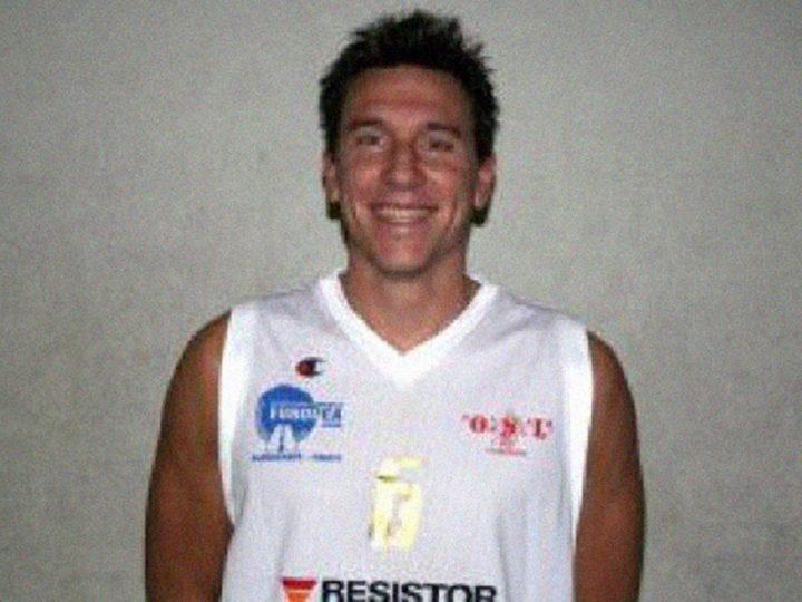 Allegri, campione di Basket, muore per arresto cardiaco. Il suo cuore ha cessato di battere in campo.