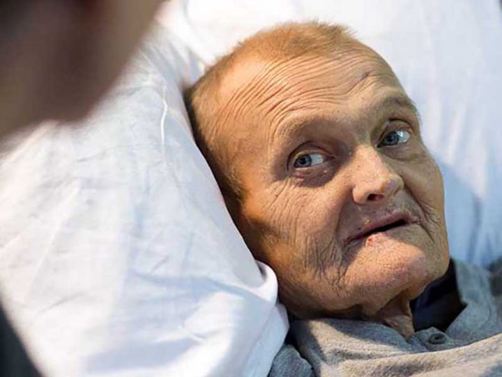 """Una Paziente: """"Infermiera, Infermiera, dammi qualcosa per morire, non ce la faccio più""""."""