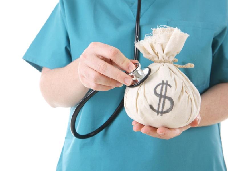 soldi stipendio infermieri errori medici