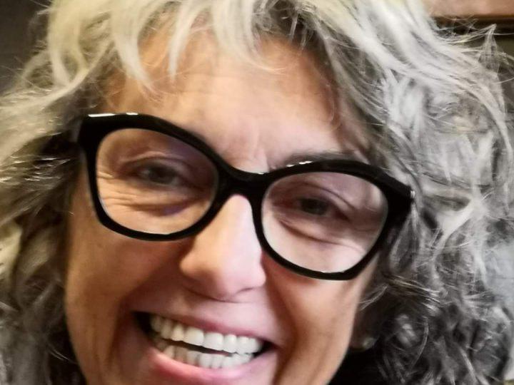 Addio a Sabrina, infermiera dal sorriso sempre pronto per tutti. Il male l'ha stroncata a 57 anni.