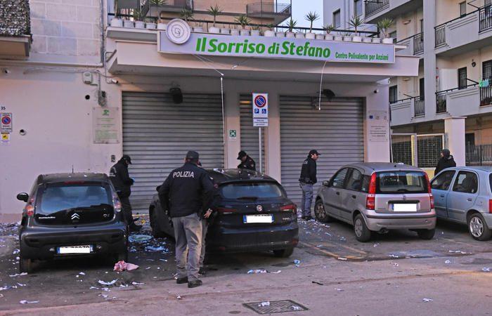 """Bomba a Foggia contro centro sociale per anziani. Colpito gruppo """"Sanità Più"""". Indaga l'Antimafia."""
