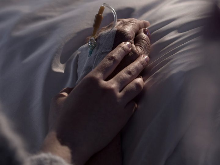 Quattro risposte sull'eutanasia, la sedazione profonda ed il ruolo del medico.