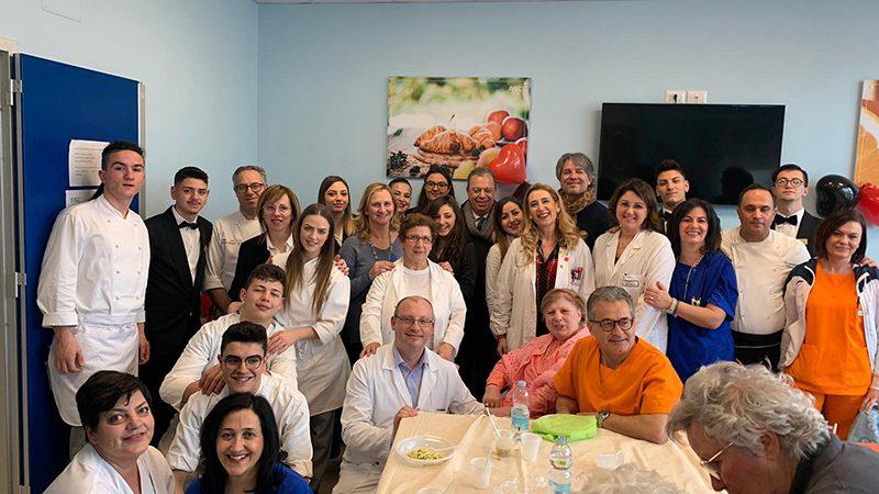 Alla scoperta della cucina tradizionale tra i pazienti con Alzheimer, terminali o grandi anziani con demenze.