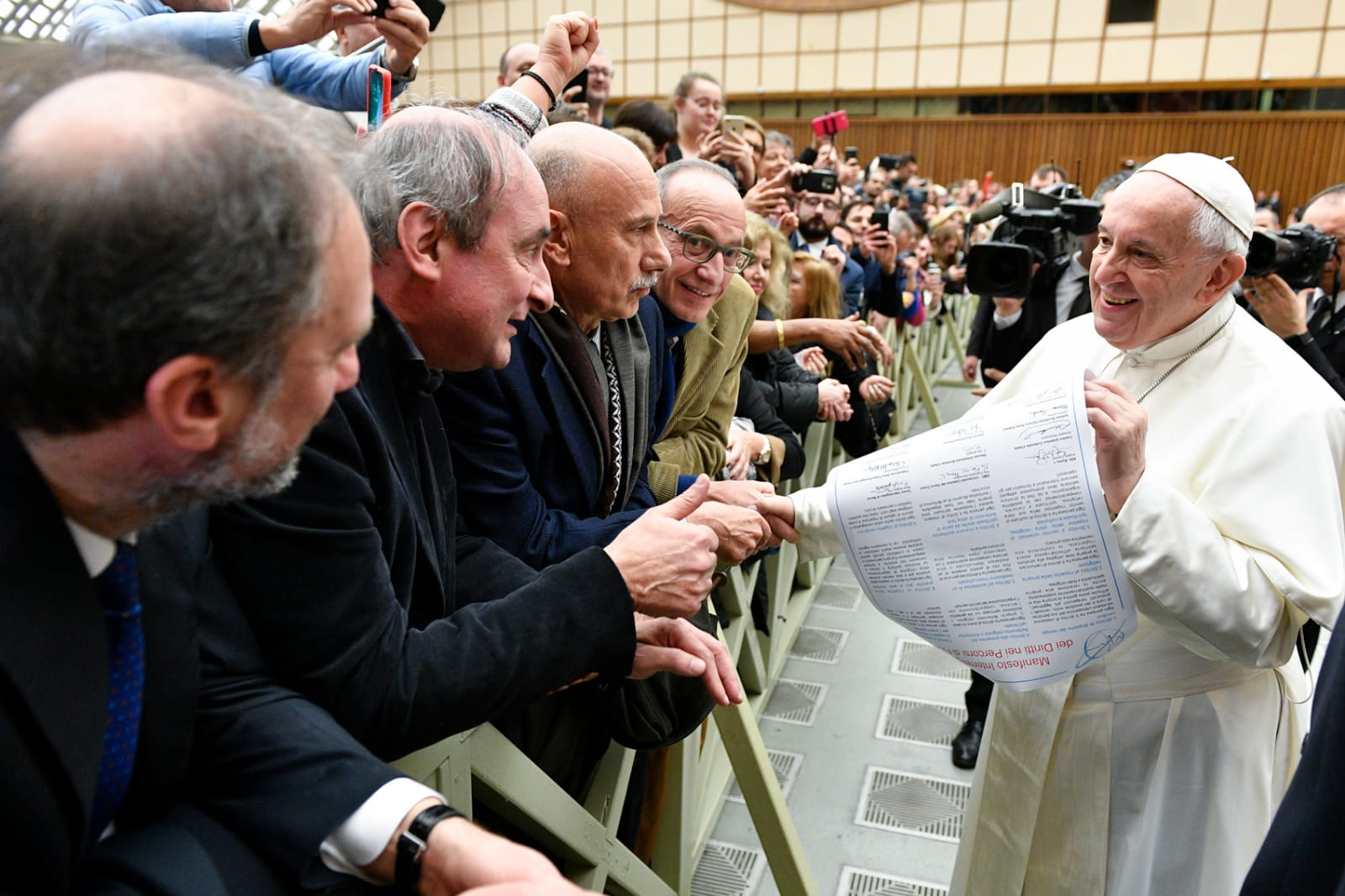 Manifesto Interreligioso dei Diritti nei Percorsi di Fine Vita. Un omaggio a Papa Francesco.