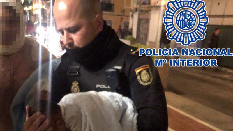 Neonato in arresto cardiaco improvviso salvato da Polizia in Spagna con la Rianimazione cardiopolmonare.