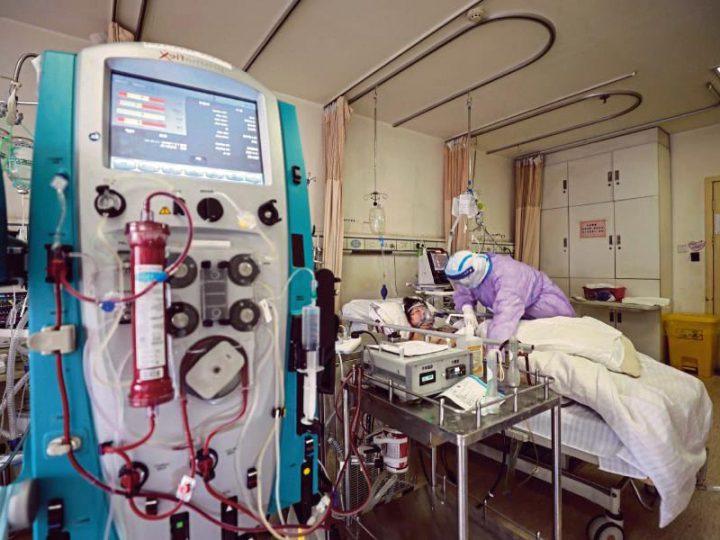 """Coronavirus. Luigi, Infermiere di Terapia Intensiva COVID-19: """"abbiamo paura, siamo tutti infetti, nessuno ci controlla""""."""