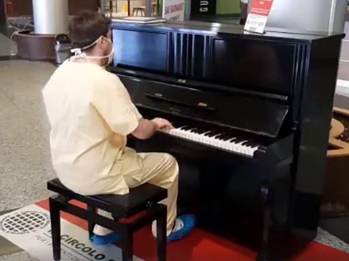 Coronavirus. Medico-Pianista cerca di risollevare gli animi dei colleghi suonando i Queen in reparto.