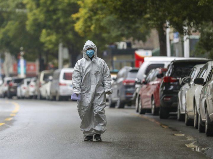 Ricerca: Coronavirus vive fino a 3 ore nell'aria e fino a 72 ore sui materiali.