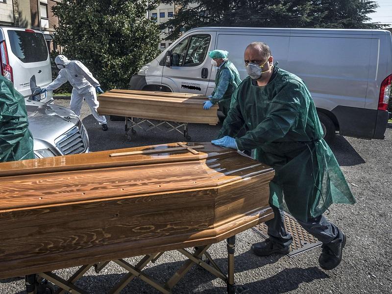 Coronavirus: Tamponi a tutto il personale sanitario o sarà guerra.