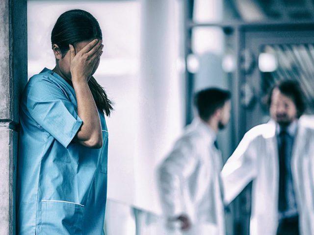 stalking denunciata infermiera oss