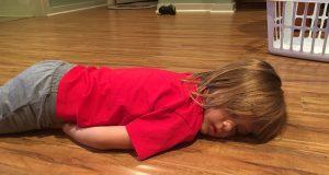 bambino svenuto morto figlio benzodiazepine